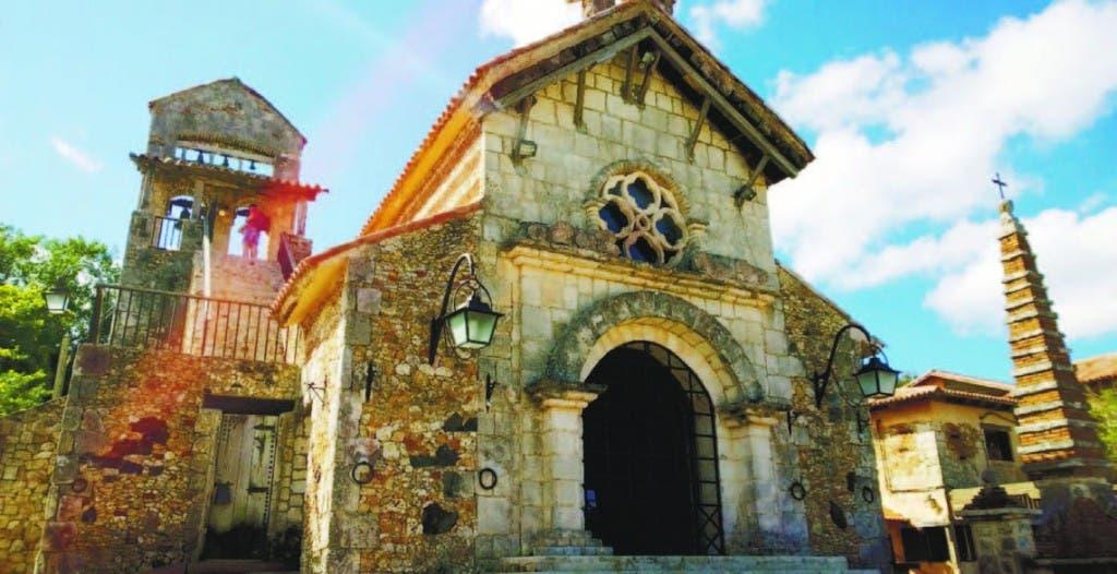 Iglesia San Estanislao en Altos de Chavón
