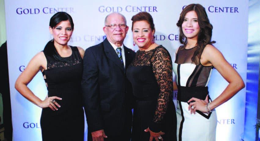 Margaret Pérez, Manolo Pérez,  Magaly Mateo de Pérez y Magnolia Pérez