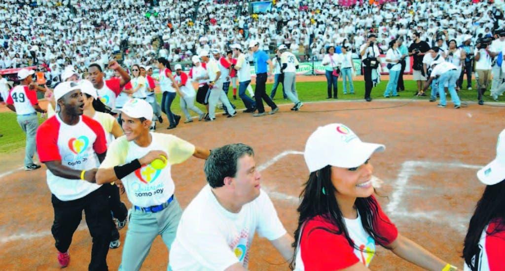 Niños con discapacidad intelectual, comparten con jugadores de grandes ligas, artistas, periodistas, en el evento celebrado el pasado año