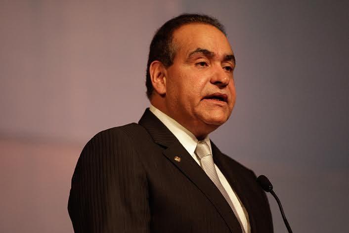 El rector de UNIBE, doctor Julio Amado Castaños Guzmán.