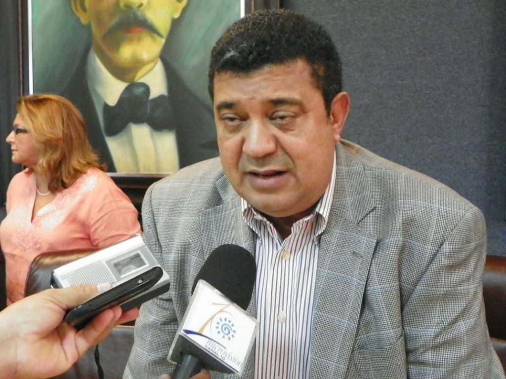 Senador Euclides Sánchez pide.