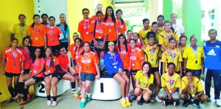 Zona Sur domina Juegos  Santiago en varios deportes