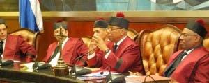 Tribunal Constitucional rechaza recurso sobre obligación de pago de Notarios
