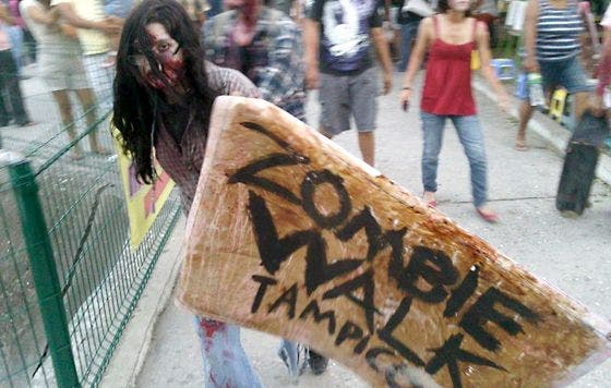 "La serie ""Fear the Walking Dead"" se remonta al principio del apocalipsis zombi de ""The Walking Dead"""