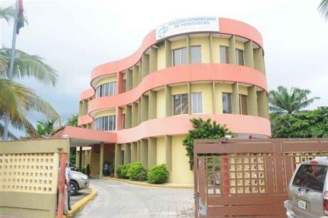 Colegio de Periodistas pide a instituciones del gobierno no realizar despidos injustificados
