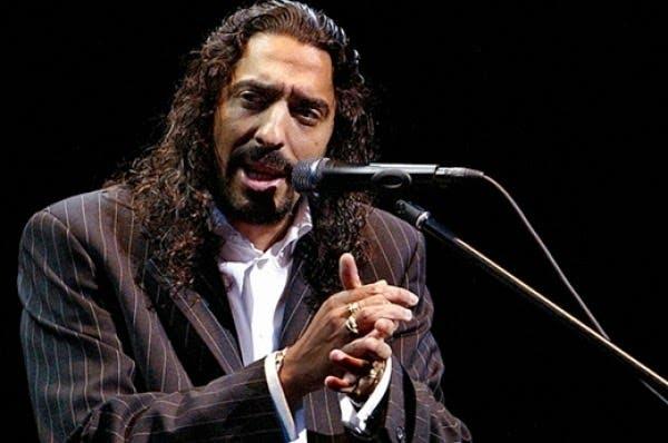 Diego el Cigala, entró imponente al escenario donde junto a cinco músicos, inundó de pasión a los asistentes a la sala Restauración del Gran Teatro