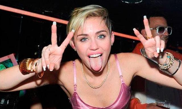 Hospitalizan a Miley Cyrus por alergia a antibióticos