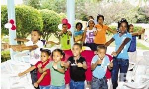 Esquina Joven cierra 2013 con aguinaldo en Aldea SOS