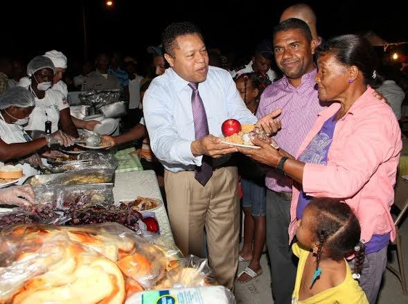 Pueblo del presidente Medina entre los primeros en inciar cenas gratuitas por motivo de Navidad