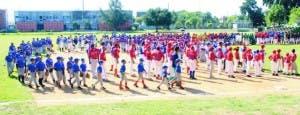 Más de dos mil 500 niños en inicio torneo navideño Luisito
