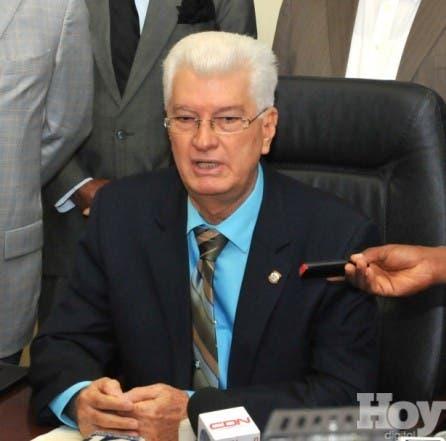 Senador Wilton Guerrero ratifica su denuncia sobre viaje de Hipó