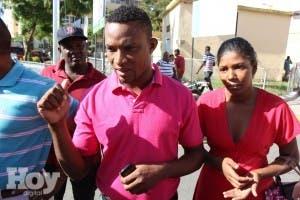 Familias niños muertos acusan autoridades de ser negligentes