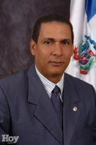 Interponen querella contra diputado Ursino Reyes