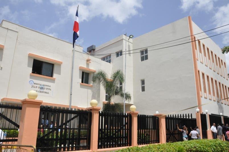 Hospital Juan Pablo Pina, en San Cristóbal. Hoy/Pablo Matos.
