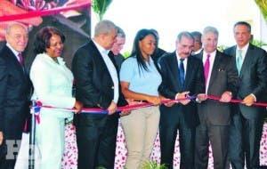 El Gobierno inaugura cinco centros educativos en Azua