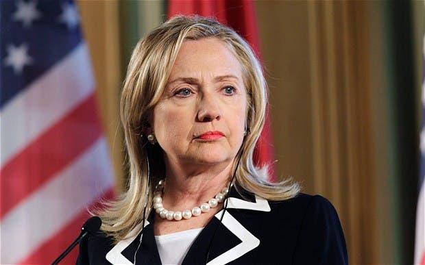 Republicanos quieren empañar imagen de Hillary Clinton