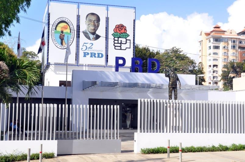 Frente de ingenieros del PRD desmiente renuncia; apoya a Gonzalo Castillo