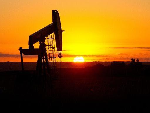 El petróleo de Texas sube un 1,89 % y cierra en 47,45 dólares el barril