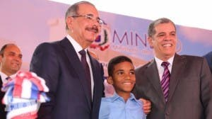 Gobierno inaugura escuelas y un liceo; aporte es de 55 aulas