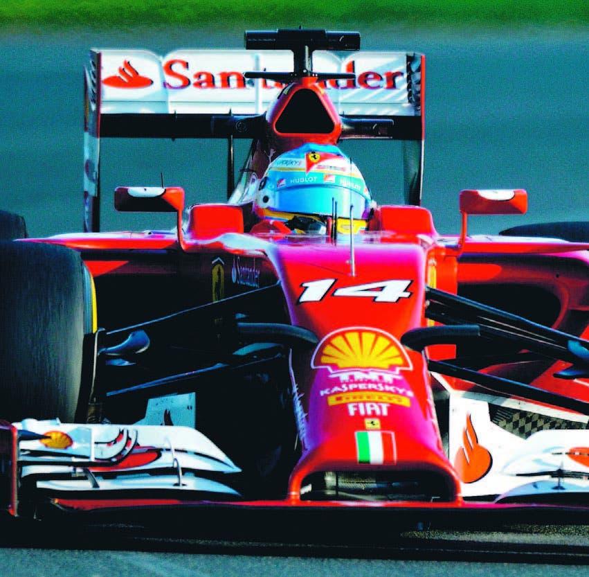 El español Fernando Alonso, durante su actuación ayer en las secciones de ensayos de la Fórmula Uno