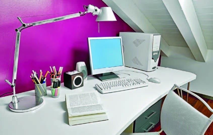 Sobre el escritorio, solo debe estar lo necesario
