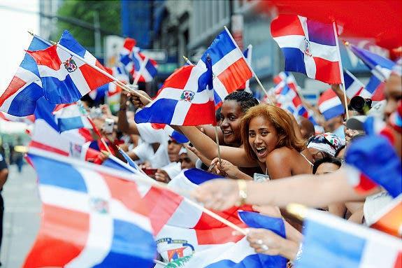 Dominicanos en Nueva York despiden a Johnny Ventura a ritmo de merengue