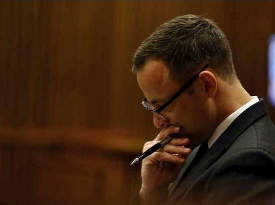 Aunque reconoce que la mató, Pistorius dice que estaba muy enamorado de su novia