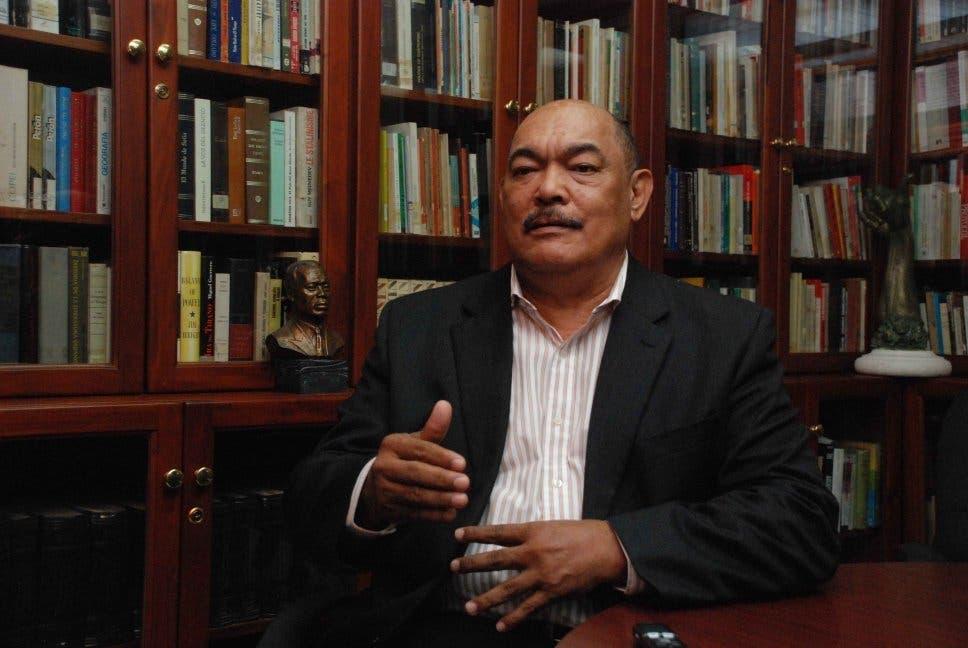 Ramón Alburquerque.