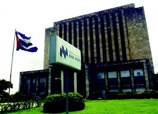 Cuba digitaliza Biblioteca Nacional