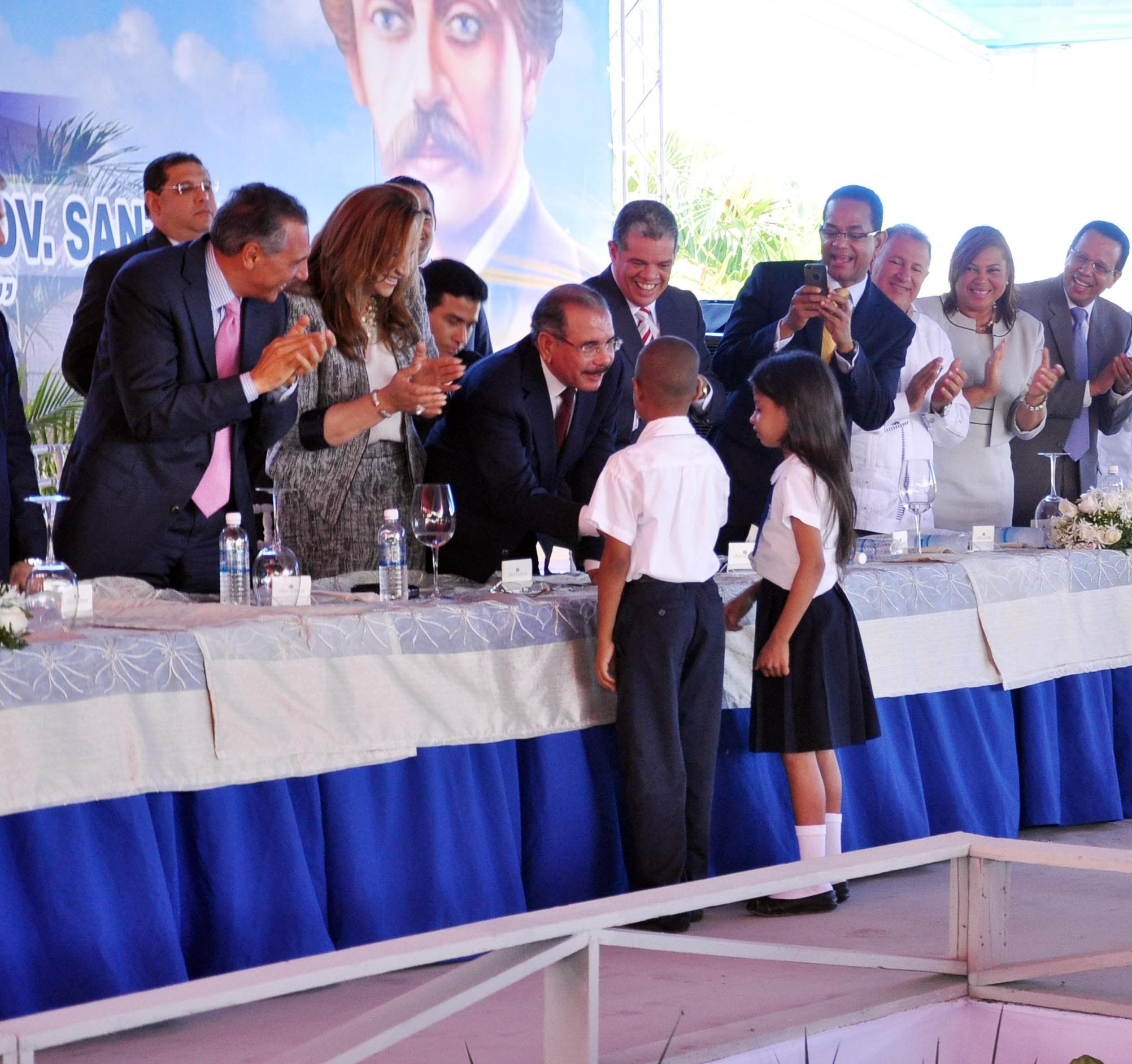 Gobierno inaugura otras once escuelas de Tanda Extendida