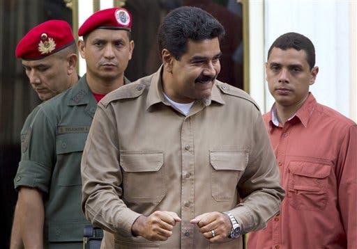 Maduro llama a atender «dificultades económicas» en primer año de gobierno