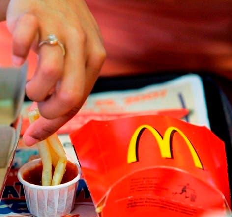 McDonald's eliminará algunos ingredientes artificiales