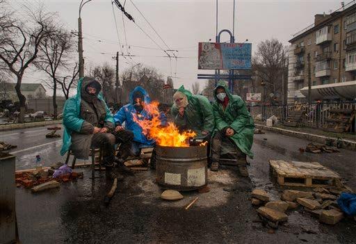 Insurgentes prorrusos del este de Ucrania piden ayuda a Putin