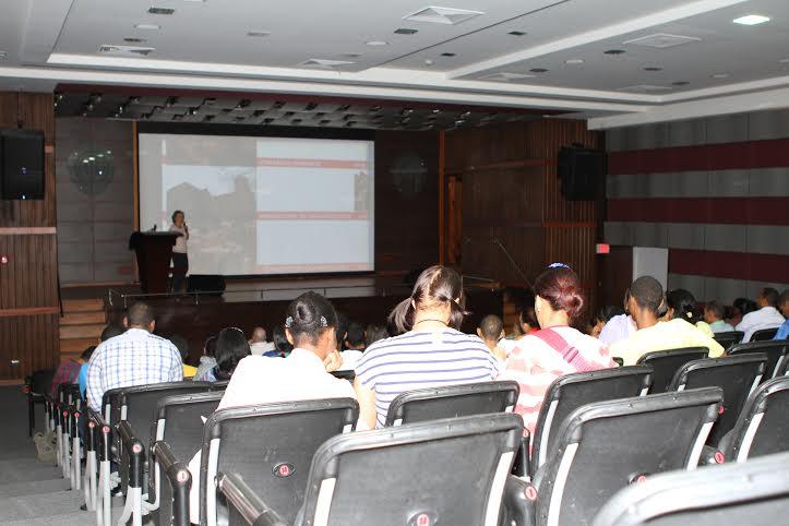 Imparten conferencia, parte del proyecto «Balcones de la Zona Colonial»