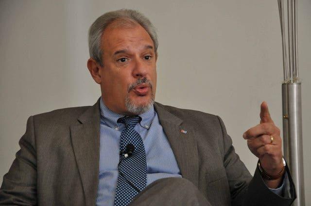 Embajador cubano en RD opina del caso pelotero cubano que usa pasaporte dominicano