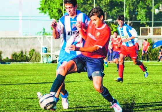 Aspecto del partido de fútbol entre las selecciones de SD y Santiago