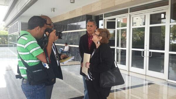 Miembros de C3 dan declaraciones a la prensa. Foto: Telenoticias.