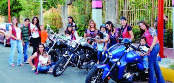 El Grupo  Amazonas  está conformado por diez mujeres
