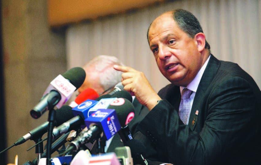 """El presidente Luis Guillermo Solís calificó el déficit como el """"mayor desafío"""" que enfrenta la economía"""