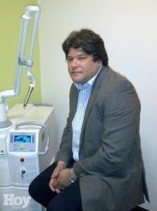 Cosmetoginecólogo Isaías Pumarol.