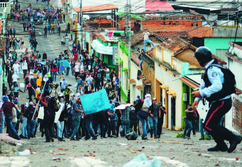 Este miércoles hubo manifestaciones contra el gobierno en San Cristóbal, Táchira, Venezuela