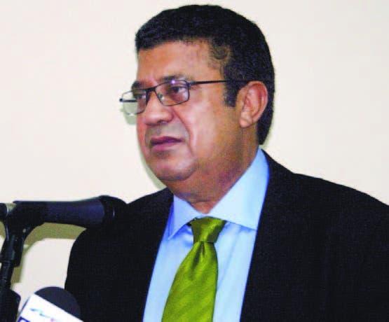 Euclides Sánchez, senador de La Vega, interviene en acto de gremios