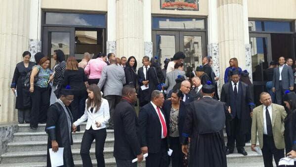 Ante conflicto con jueza, fiscales acudieron a la Fiscalía para brindar apoyo a Yeni Berenice