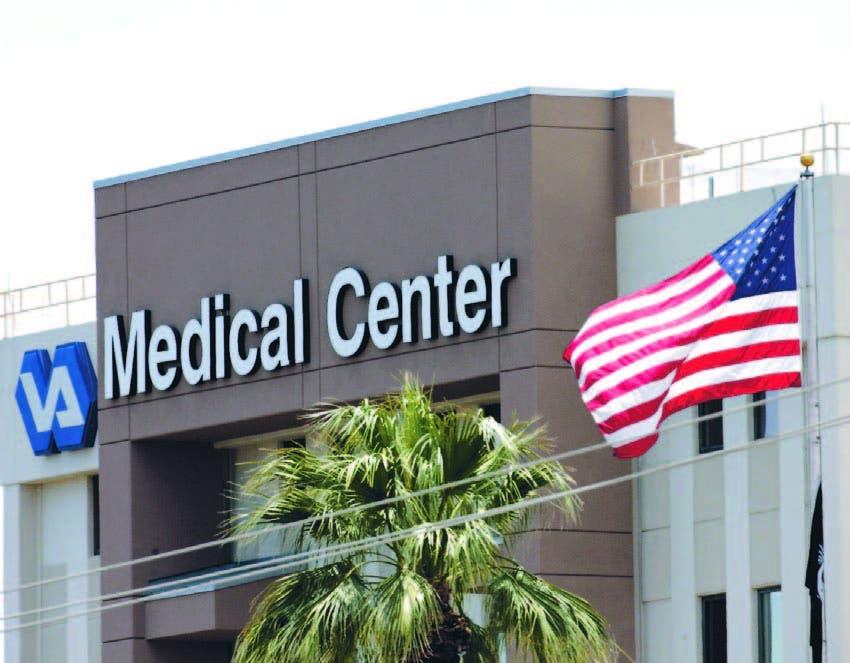 Fachada del Departamento de Asuntos de Veteranos en Phoenix, Arizona, Estados Unidos