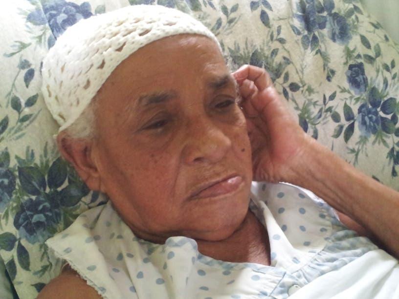Reportaje a Doña Maria Flores de 103 años de edad.Hoy/Fuente Externa 24/5/14