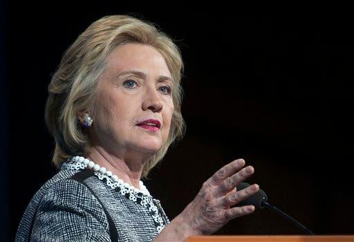 Edad, gestión, dinastía: los republicanos atacan a Hillary Clinton