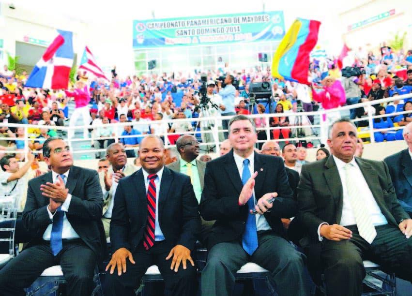 Integrantes del comité Alberto Perdomo Piña, William Ozuna, José Quiñones y Lisin Mejía, en el acto