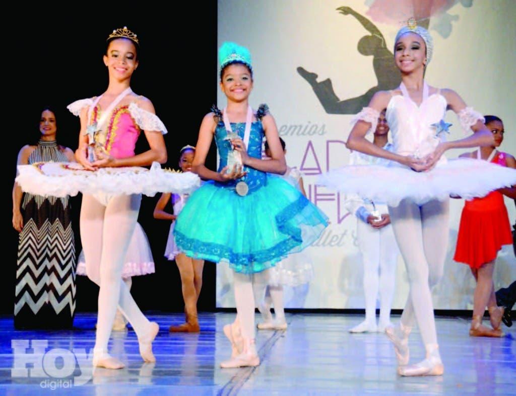 Iris Marihalba Jiménez de los Santos,  Sherlyn Marie Morel y Salma González Rosario