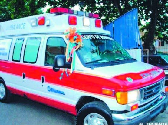 Empresarios donan una ambulancia a Salcedo