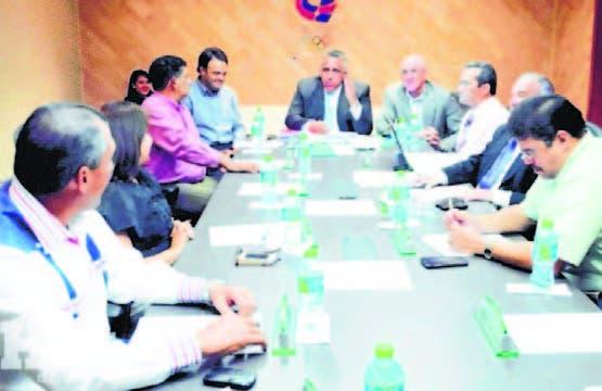 Luis Mejía y los miembros del comité ejecutivo del COD